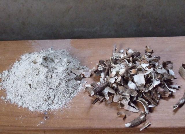 Cassava peels, raw and ground