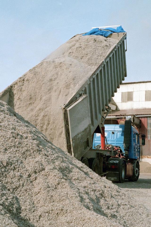 Transport of pressed sugarbeet pulp